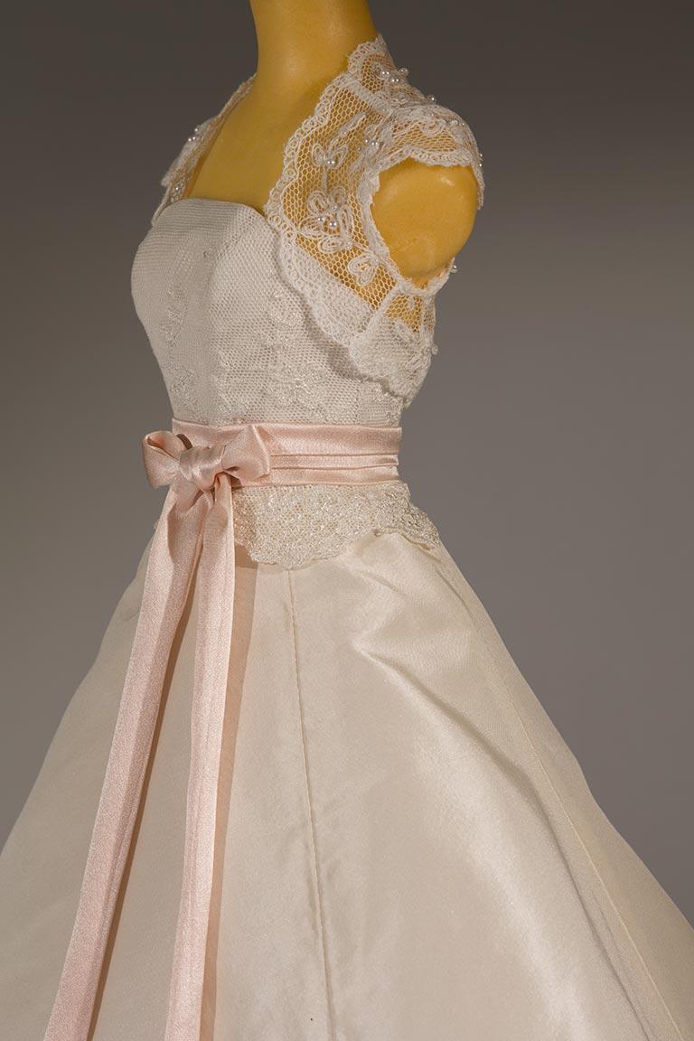 dress-001a